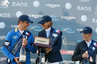 chantilly 13- podium largeL