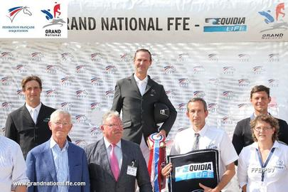 lure podium grand national largeL