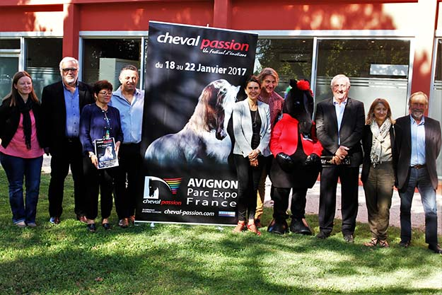 Cheval passion met en 2017 le cheval camargue l 39 honneur for Salon du chiot avignon 2017