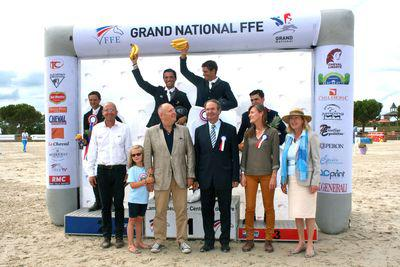 Le podium du Grand National à Lamotte Beuvron largeL