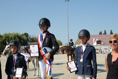 Podium Coupe des As Enfants 1 Noah Beddar,2 Emeline Dorin,3 Charlotte Ballaloud Macon 2015 largeL