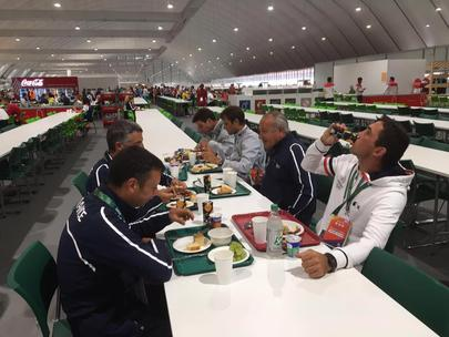Rio 2016- à table au village olympique largeL