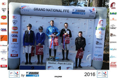 saumur 2016 Le podium du Grand National largeL